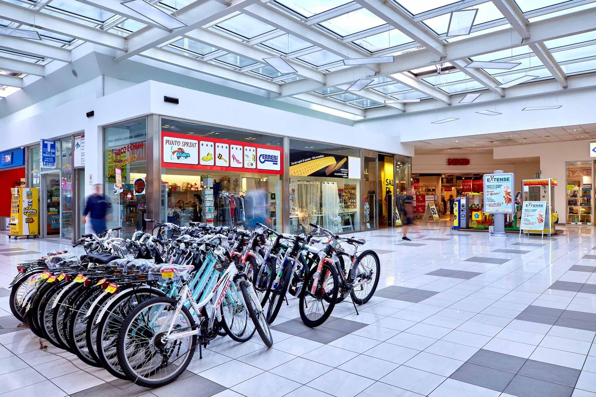 Punto Sprint e Infinity Fashion al Centro Commerciale Extense