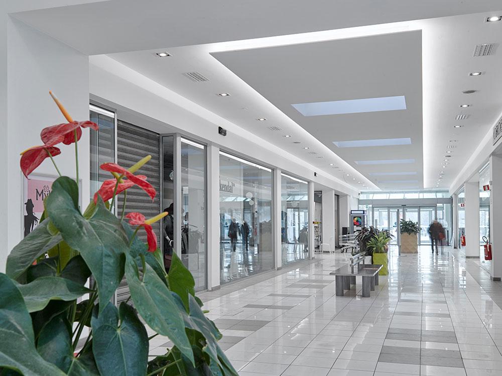 Centro Commerciale Extense - La galleria rinnovata
